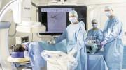 Demonstration eines Eingriffs zur lokalen Tumortherapie