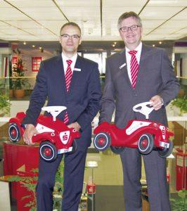 artin Fuchs (links) und Firmenkunden-Direktor Cord Köste
