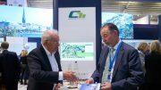 Im Gespräch auf der EXPO Real in München: Der Harburger Bauunternehmer und Investor Arne Weber (links) und Baudezernent Jörg Heinrich Penner. Fotos: channel Hamburg e.V.