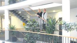 Klimamanagerin Ann-Kathrin Bopp (links) und Karin Kahnenbley