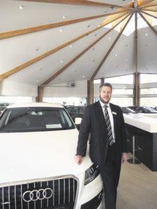Christoph Munkwitz ist Audi-Verkaufsberater im Außendienst und regelmäßig an den Spreckelsen- Standorten in Stade, Zeven und Bremervörde anzutreffen. Foto: Wolfgang Becker