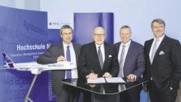 Die Kooperation erneuert (von links): Gunnar Groß (Airbus), Professor Dr. Bernt R. A. Sierke (PFH), Kai Arndt (Airbus) und Professor Dr. Frank Albe (PFH). Foto: Airbus
