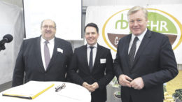 Zu Gast bei Rudolf Behr (von links), Vorstandschef der Behr AG: SAG-Vorstandschef Olaf Krüger begrüßte mit Niedersachsens Wirtschaftsminister Bernd Althusmann einen prominenten Gast beim siebten Aktionärsfrühstück.