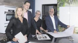 """Das Team von """"Lebenstraum Küche"""" in Hollenstedt: Kerstin Schüssler (von links), Sascha Harangozo, Liesel Barth und Michael Schüssler."""