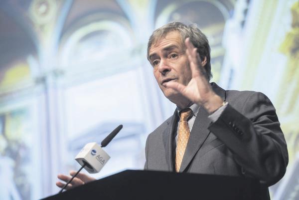 Er zog eine gemischte Bilanz des Koalitionsvertrages: Arbeitgeberpräsident Ingo Kramer während seines Vortrags in der Hamburger Kunsthalle.