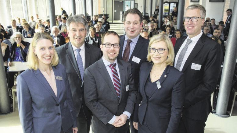Gastgeber und Gäste des AV-Forums Wirtschaft 4.0: Wiebke Krohn, Bernd Wiechel (beide AV), Dr. Michael Zibrowius (IdW), Jörgen Rösing (Arconic), Renate Peters (AV) und Tobias Lohmann (BNW).