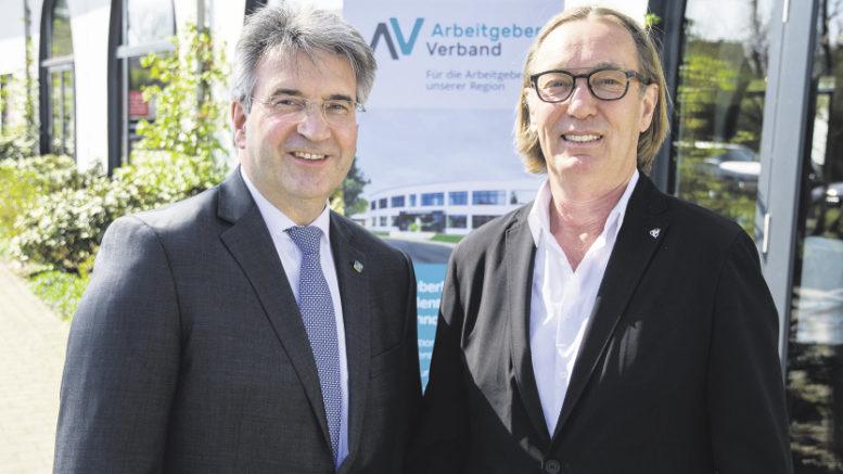 Hauptgeschäftsführer Bernd Wiechel (links) und AV-Präsident Heiko A. Westermann blicken zufrieden auf die Arbeit des Verbandes und die Mitgliederentwicklung zurück.