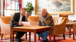 Mit Zuversicht durch die schweren Wochen: Sven Oliver Schmidt (l.) und Niklaus Kaiser von Rosenburg halten den Baseler Hof durchgehend offen